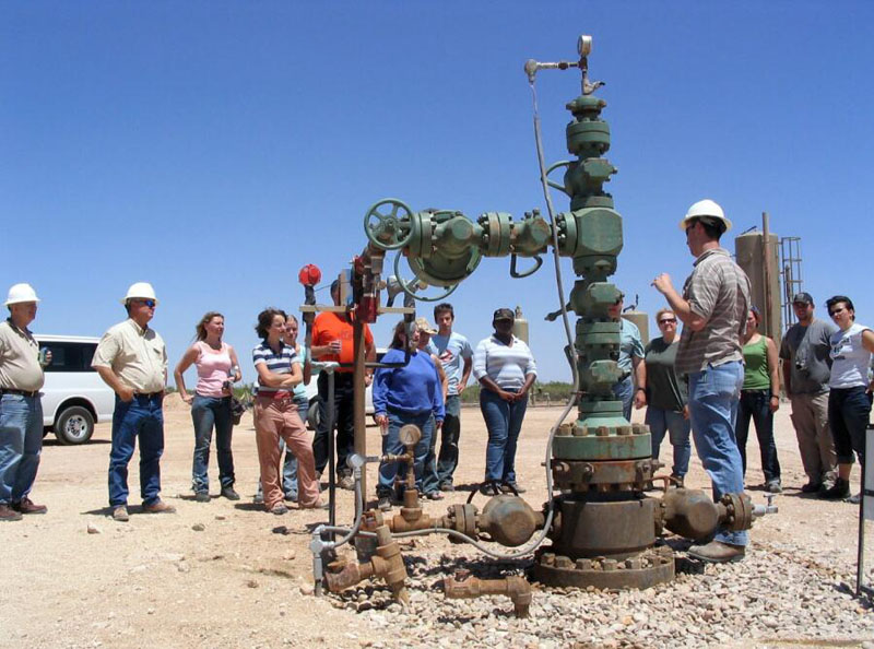 Conventional stack up wellhead